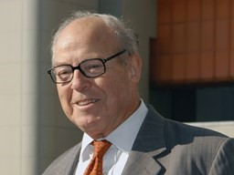 Hans Blix is awarded the Swedish Nuclear Society Honorary Prize